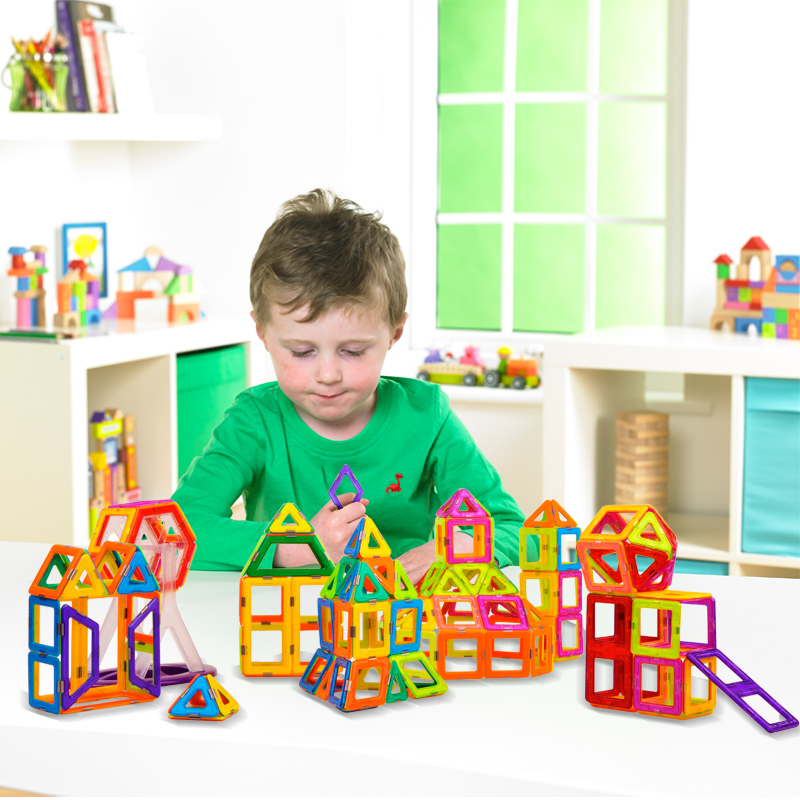62Pcs/Lot Magnetic Building Blocks Models & Building Toy Magnet Plastic Technic Bricks Learning & Educational Toys For Children(China (Mainland))