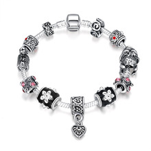 Popular Lady Bracelet with Heart Pendant Vintage Style Fashionable Bracelet silver plated(China (Mainland))