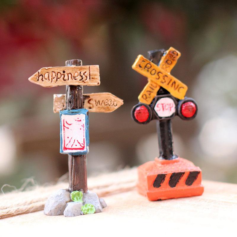 2015 Sale Totoro Zakka Artificial Mini Signpost Stop Sign Micro Small World Landscaping Decoration Diy Accessories Craft K6723(China (Mainland))