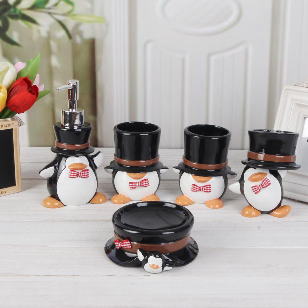 Toiletries fashion q penguin bathroom set quality child for Quality bathroom decor