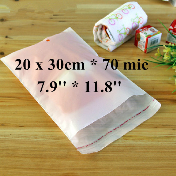 Free Shipping 300pcs/lot 20 x 30cm*70mic Self Adhensive Plastic Clothes Bag, High Quality White PE Clothing Bag with Punch Hole(China (Mainland))