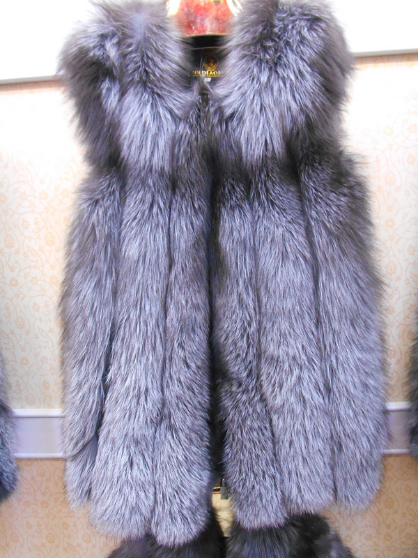 hot selling silver fox fur vest/grey color fox fur vest/natural color fox fur vest/winter vests for womenОдежда и ак�е��уары<br><br><br>Aliexpress
