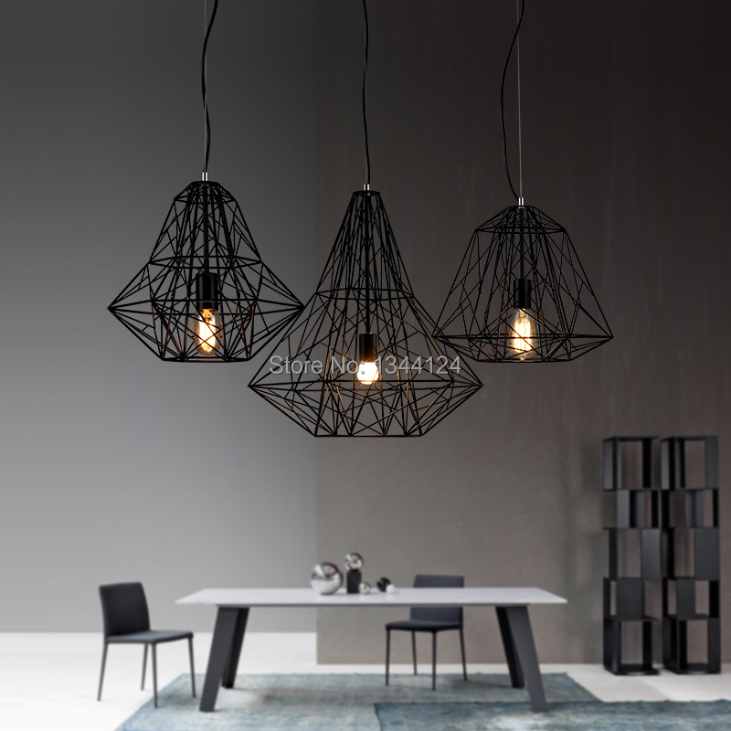 Lustre fer trendy suspension luminaire triple lustre et for Luminaire triple suspension