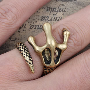 Jewelry grade brass Super Fine Lucky individuality Gothic Punk Rock Aging Treatment cool Talons Snake ring for men women(China (Mainland))