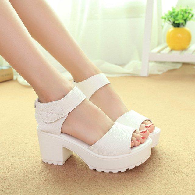New 2015 Summer Women's High-heeled Shoes Thick Heel Open Toe Platform Sandals White Black High Heel Women Sandals(China (Mainland))