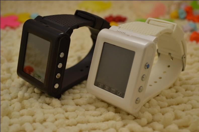 Low price dual sim cards wrist mini watch phone AOKE AK922 with pinhole camera Support MP3/MP4 bluetooth TW530 Q5 Q8 S8 TW810 U8(China (Mainland))