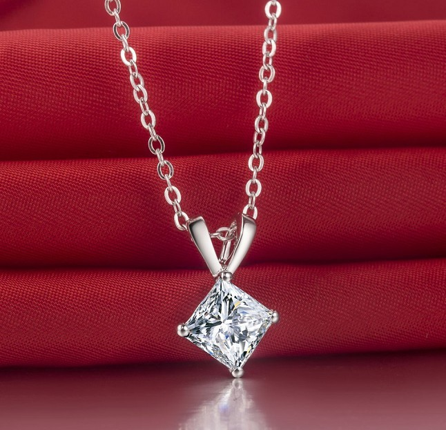 2 Carat Princess Cut NSCD Synthetic Diamond Engagement Pendant Necklace Girl Best Body accessories Fantastic sweetheart Gift(China (Mainland))