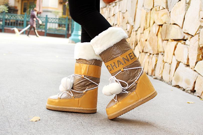 Hotsale! Fashion winter shoes female snow boots space moon boots women flat warm winter snow boots women fashion boots free ship(China (Mainland))