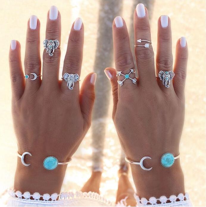 Гаджет  Vintage Punk bangle turquoise Unique Carved  moon Antique Silver Hot Boho Beach retro bracelet Jewelry None Ювелирные изделия и часы