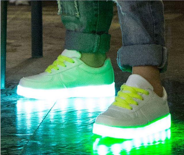 Детская обувь со светом для мальчиков / девочек Chaussure Lumineuse Enfant из светодиодов ...