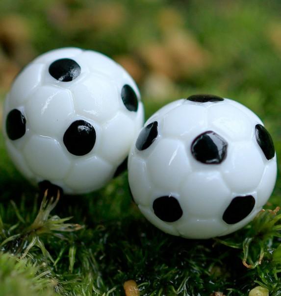 4 pcs Miniature basketball , football, 1.6cm ,so tiny and cute ball decoration ornaments landscaping(China (Mainland))