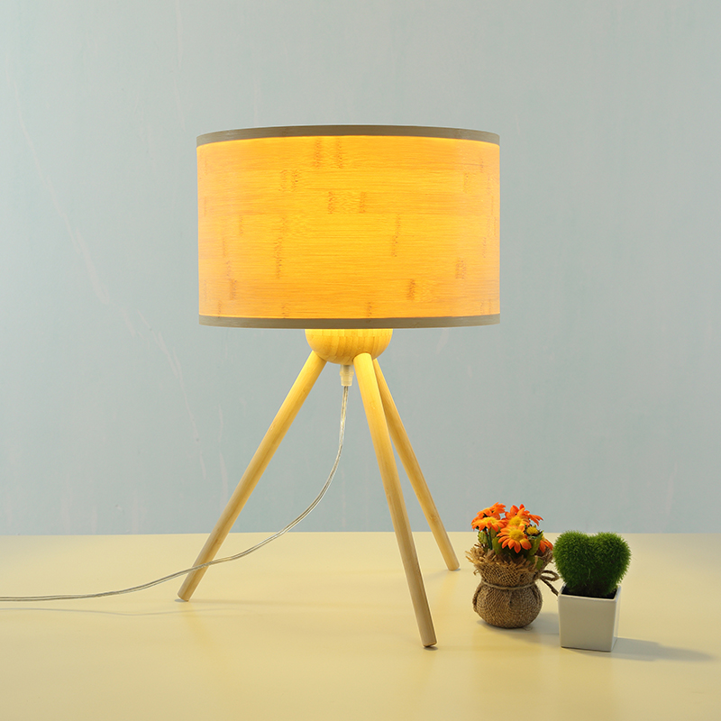 North Europe Style Bamboo Wooden Triangle Table Lamp