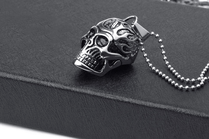 Free shipping skeleton titanium steel pendants necklace jewelry for man 316L necklaces skull pendant 1pcs/lot Wholesale(China (Mainland))