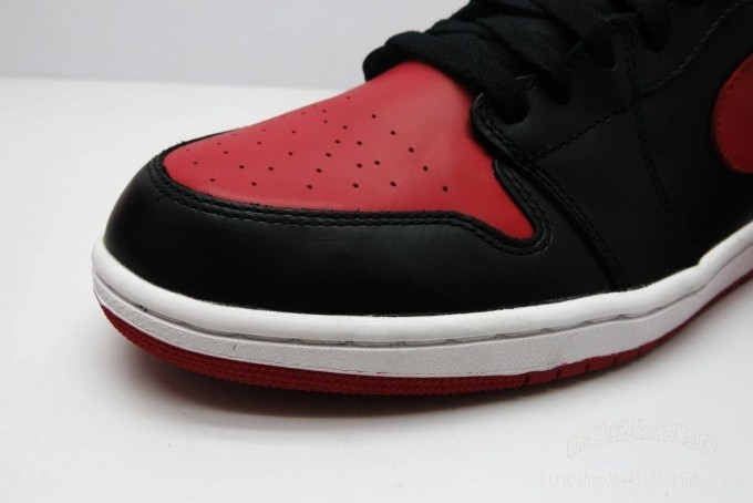 Wholesale + retail basketball shoes 1 black red bulls high og lovers. 555088-023(China (Mainland))
