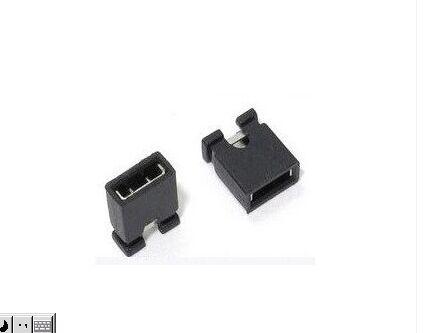 Гаджет  100PCS   black  2.54mm  pin spacing short cap jumper shorted block None Электротехническое оборудование и материалы