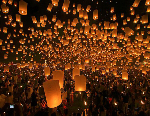 10PCS/LOT Pure White Paper Chinese Lanterns Fire Sky Fly Candle Lamp for Birthday Wedding Party(China (Mainland))
