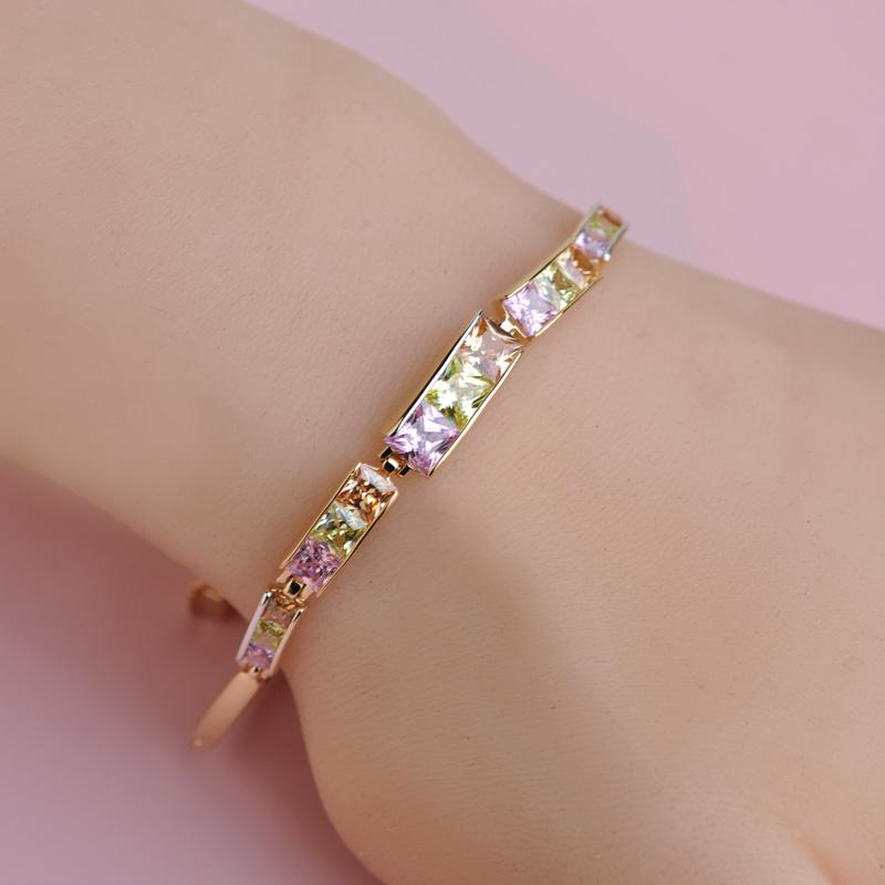 Bridal Pink Elegant Luxury Famous Designer Bracelets Copper Metal 18 K Plating Lucky Authentic Zirconia Bracelet Bijoux(China (Mainland))