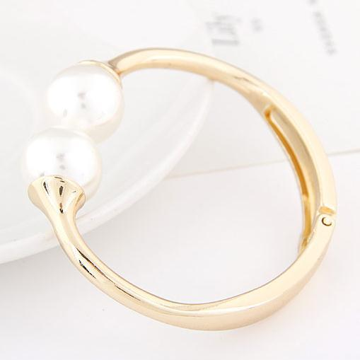 The big European and American fashion trend Fan children exaggerated simplicity Ruili temperament sided opening pearl bracelet L(China (Mainland))