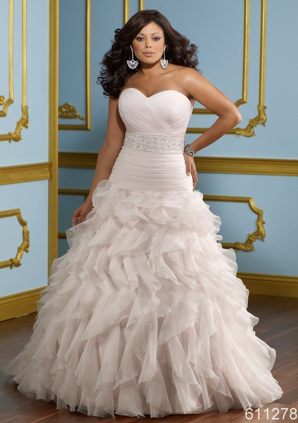 Plus size puffy big skirt light pink white sweet heart for Plus size red and white wedding dresses