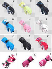 12 style Fashion cheap women&men skiing gloves thicken warm gloves riding ski mountaineering waterproof&windproof snow gloves