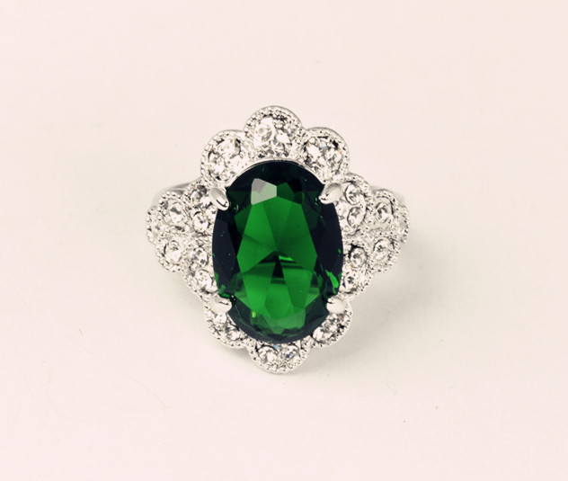 2015 New Arrival women ring fashion gold plated  with import emerald CZ diamond Fantastic Hot Sale(China (Mainland))