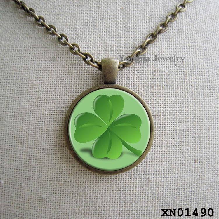 Green good luck clover necklace pendant(China (Mainland))