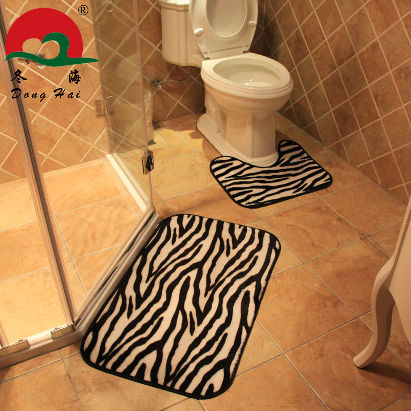 Attrayant Cheetah Print Area Rugs Or Runner. Wood Floor Standing Bathtub Tap By U2026