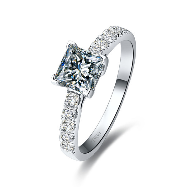 Guarantee White Gold 18K Princess Jewelry 1CT NSCD Synthetic Diamond Engagement Ring Women Princess Solid 18K White Gold Ring(China (Mainland))