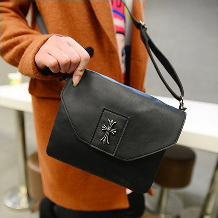 Free shipping 2014 New Fashion Crow Heart Vintage Women Messenger Bags Faux leather women bags shoulder bags(China (Mainland))