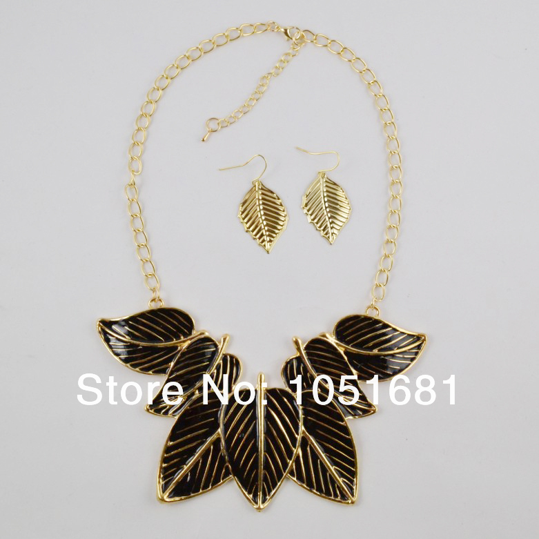 product 2014 new leaves adorn article multi-layer match gold leaf necklace pendant & necklace Women's gift Free shipping