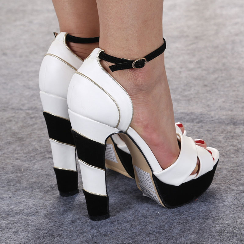 sepatusekolah: Black And White Shoes Images