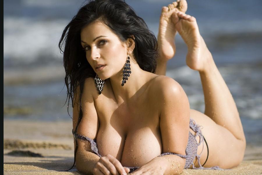 Супермодели с большими грудями 14 фотография