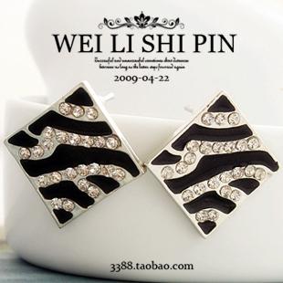 $10 (mix order) Free Shipping Korean Fashion Imitation Diamond Striped Black&White Enamel Box Stud Earrings Jewelry(China (Mainland))