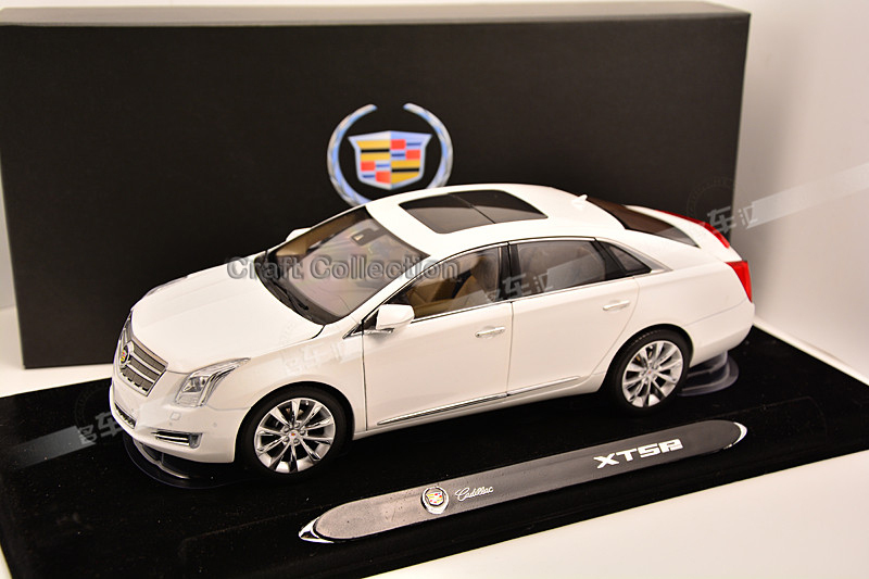 White 1:18 LUXURY Cadillac XTS Diecast Model Car(China (Mainland))