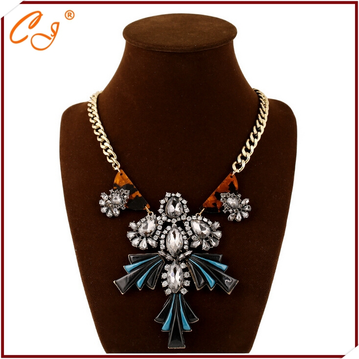 product European and American fashion brand retro exaggerated crystal flowers clavicle necklace popular adorn article