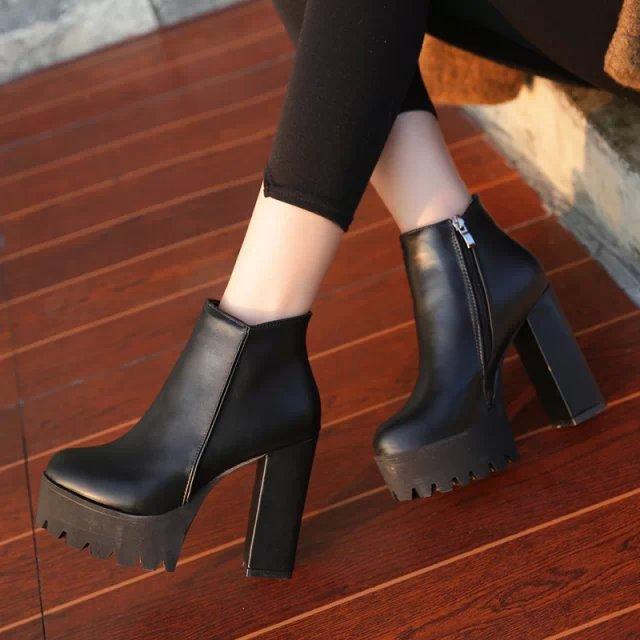 Модные ботинки на каблуке