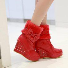 Envío gratis medio cortos mujeres moda de invierno la nieve calzado arranque en caliente dulce cuñas del arco de charol zapatos de plataforma(China (Mainland))