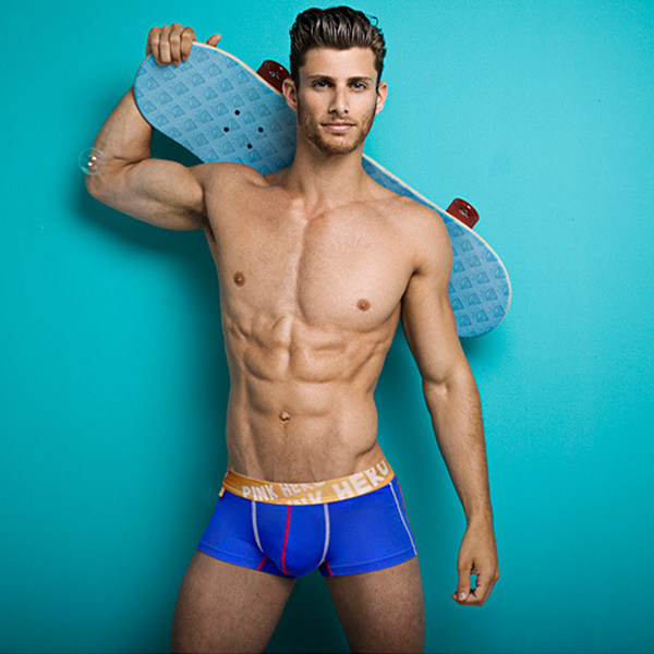 Hot gay pics and clips
