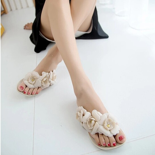 2015 New Summer Hot Women Sandals With Beautiful Camellia Flower Sweet Flip Flops XWZ455(China (Mainland))