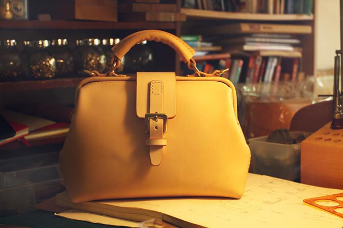 Nude Color Advance Design Custom Leather Doctor Bag, Designer Brand Messenger bags for girls Women Retro Vintage santoro(China (Mainland))