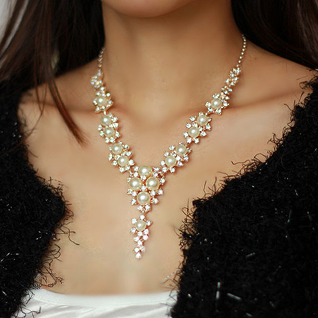 [SALE] Free shipping! Korea Temperature Hollow Pearl Crystal Necklace Jewelry Necklace