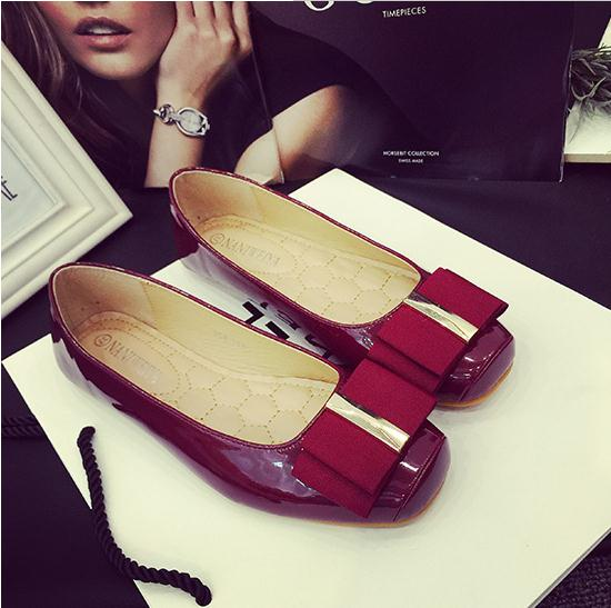 Spring Autumn fashion women ballet flats shoes,ladies patent leather shallow mouth Comfort casual shoes,red wedding dress shoes(China (Mainland))
