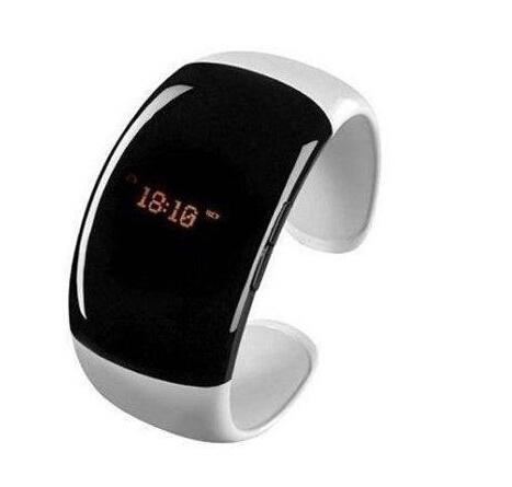 Bluetooth Fashion Bracelet with Time Display Call/Distance Vibration Caller id LED Digital wrist(China (Mainland))