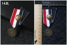 Lapel Pins Bros Lencana Untuk Wanita Inggris Angin Lencana Merah Biru Stripe Mahasiswa Seragam Sekolah Medali Jangkar Bros Pin Berbagai(China)