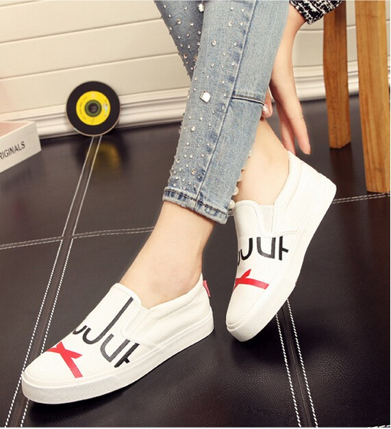 2016 Spring models female graffiti canvas shoes women lazy shoes a pedal fashion
