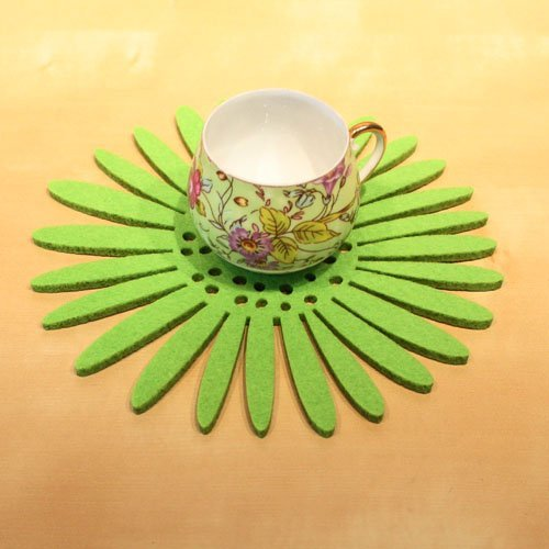 Free shipping promotional 10 pcs/lot 17cm(diameter) green non-woven fabric cutout sun flower cup pad/ table coaster