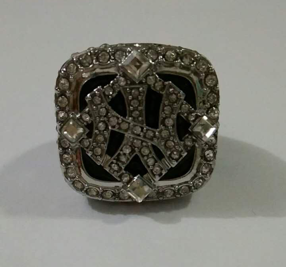 Wholesale Free Shipping 2009 Yankees Major League Baseball silver plated custom sport Replica Men world Championship Ring(China (Mainland))