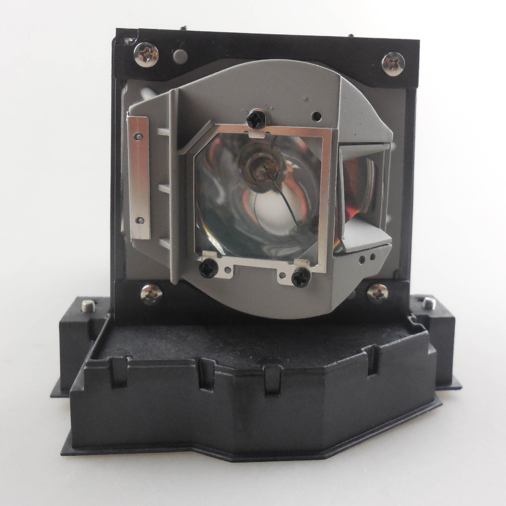 Фотография Replacement Projector Lamp SP-LAMP-041 for INFOCUS A3100 / A3300 / IN3102 / IN3106 / IN3900 / IN3902 / IN3904