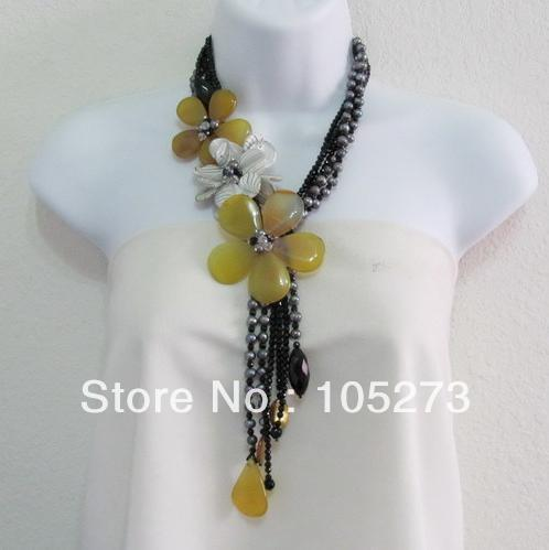 New Free Shipping Agate Flower Jewelry Black Crystal Natural Pearl Yellow Agate Shell Flower Necklace Top Quality Wholesale<br><br>Aliexpress