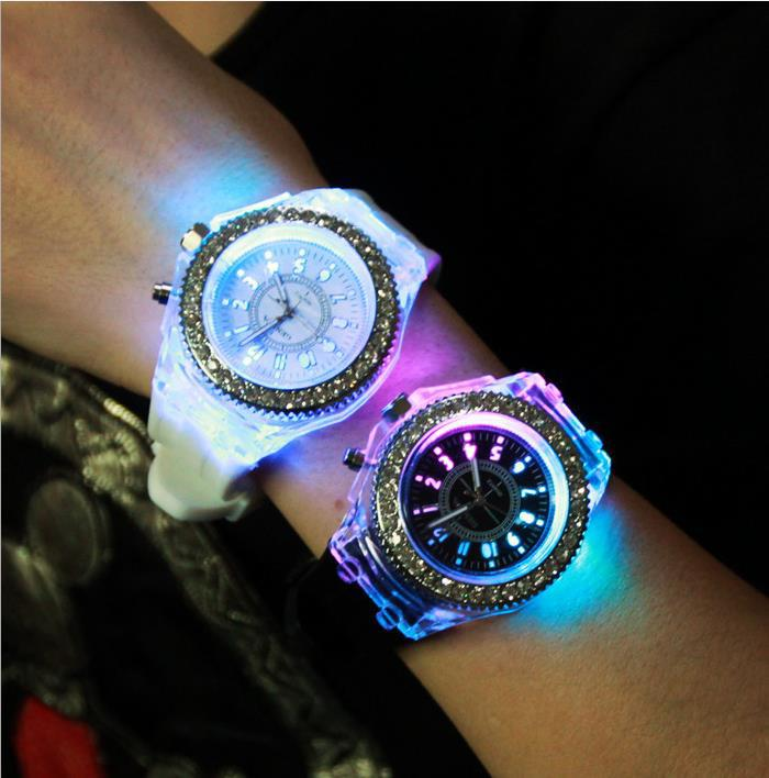 Free shipping 2015 luminous glow watch fashion men's and women's middle school students personality couple table(China (Mainland))